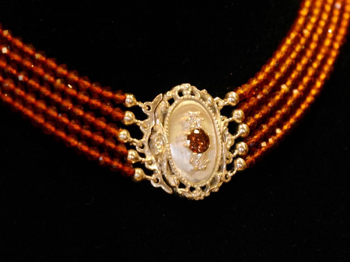 Kropfkette – Silberschließe mit Granatsträngen in schönem Orange